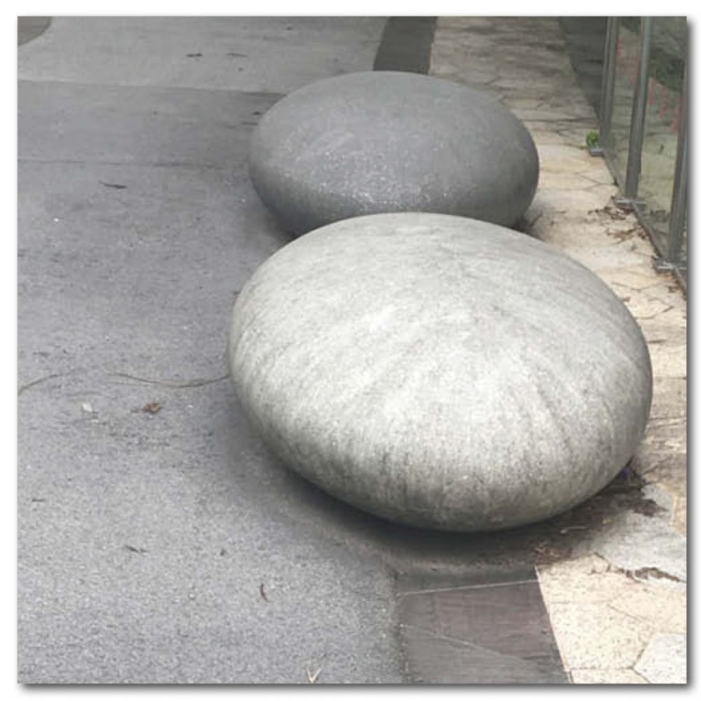 Designer Pebble rock seats