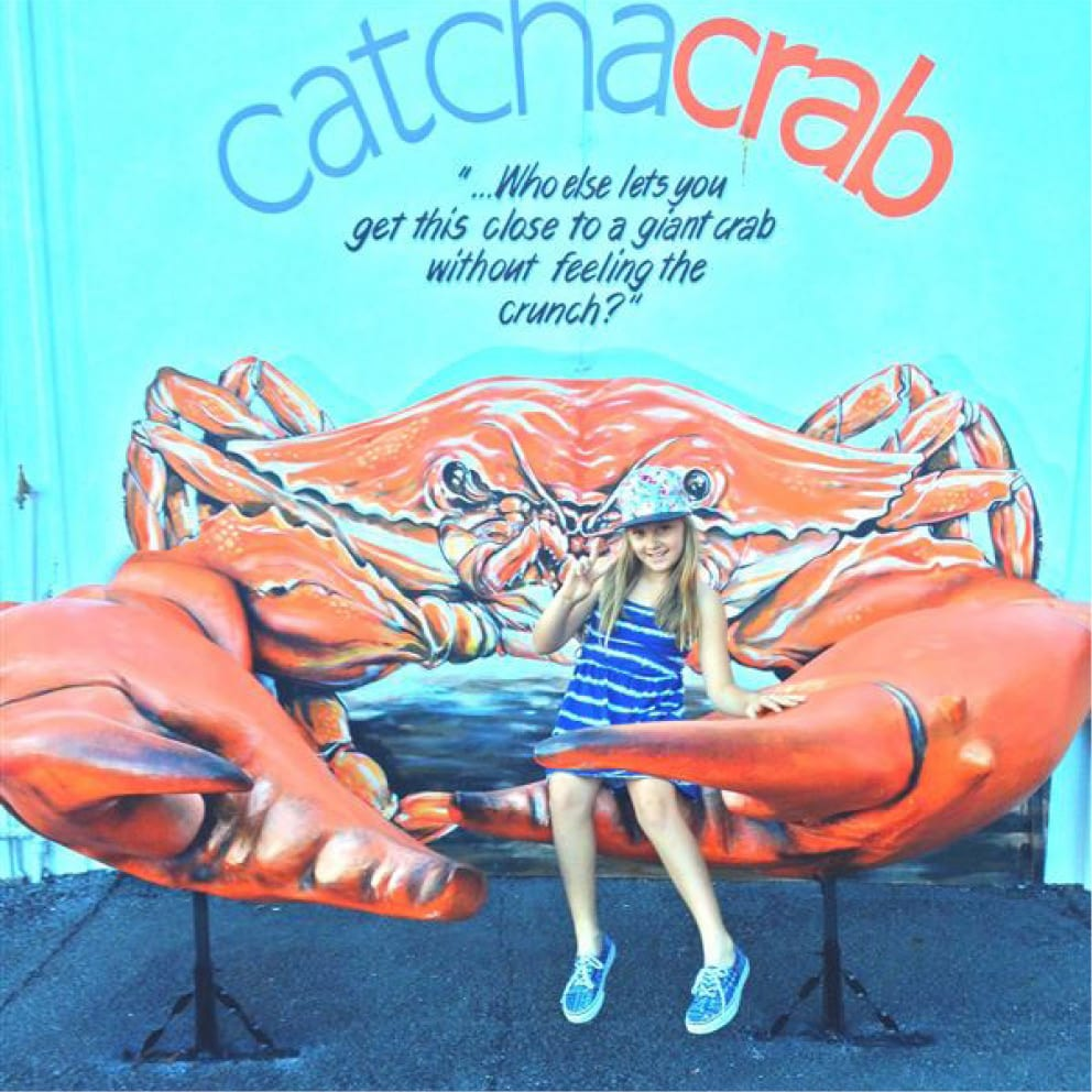 Catch a Crab with girl in nippers