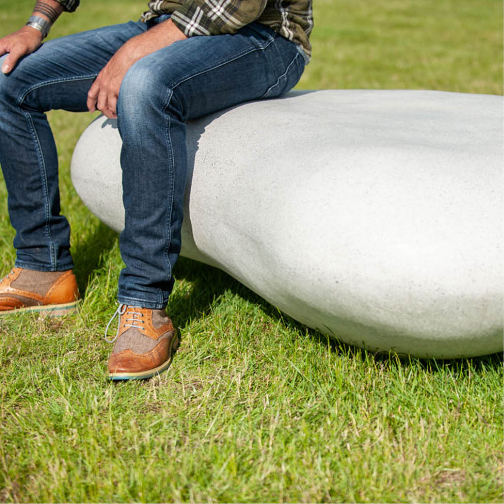 Giant Pebbles – Fake Rock Seats