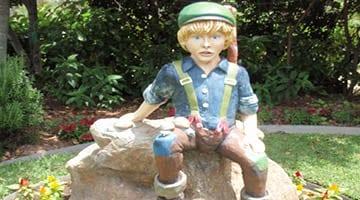 Hunter Valley Gardens Little Boy Blue Statue Copy