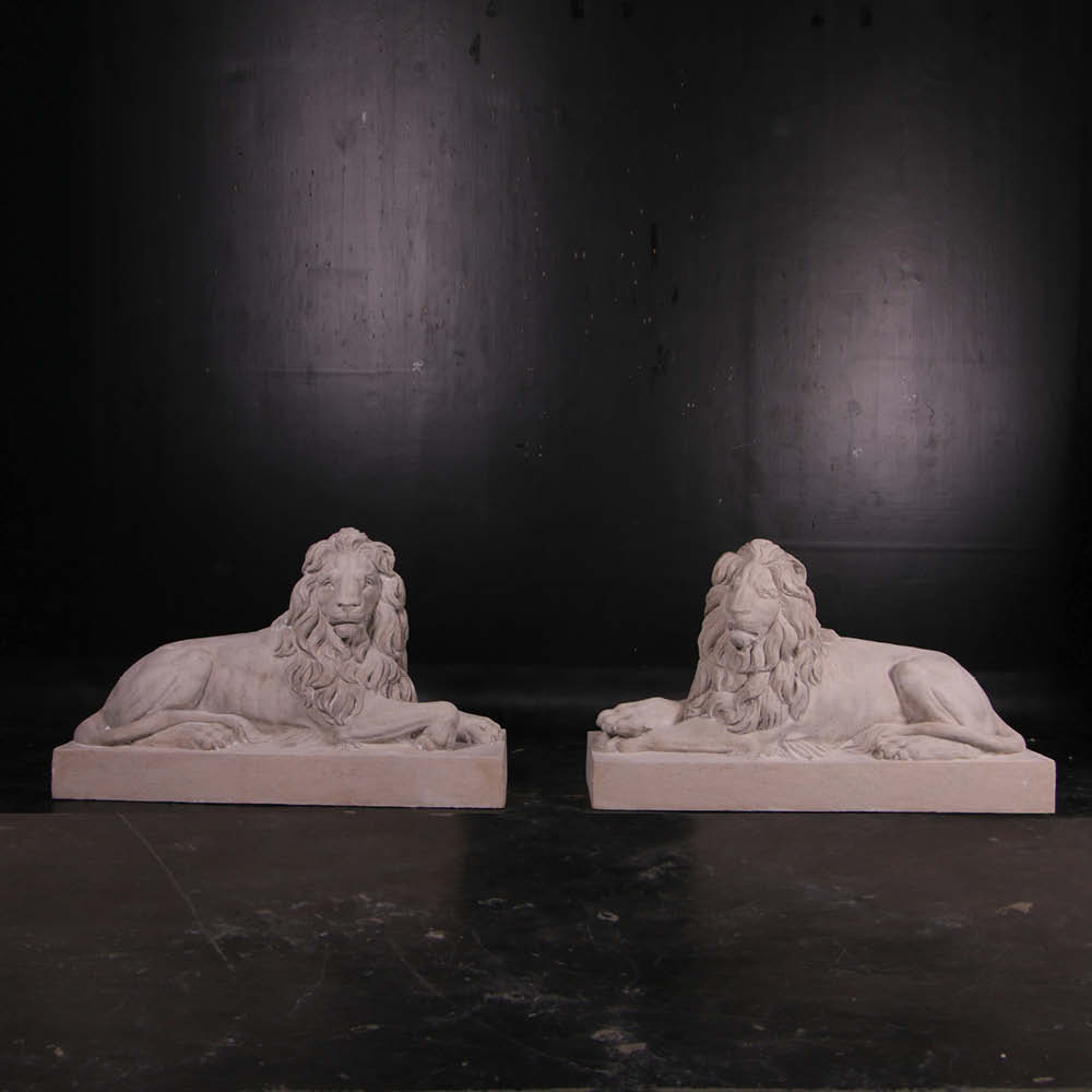 Lion Resting - Looking Left - part of set