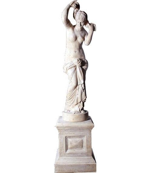 Statue Elizabeth On Base RS