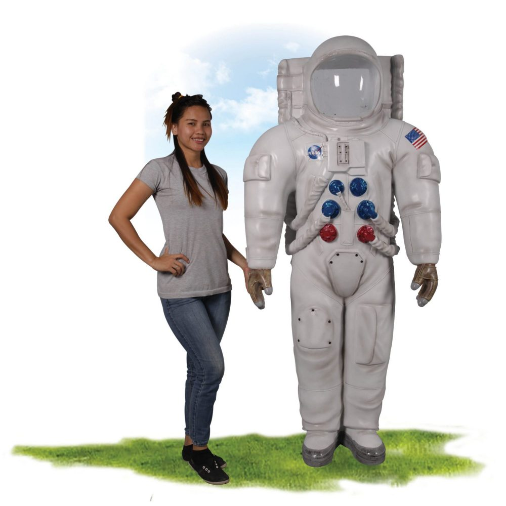 Astronaut Photo Opportunity with rear enty   with girl  Image  scaled