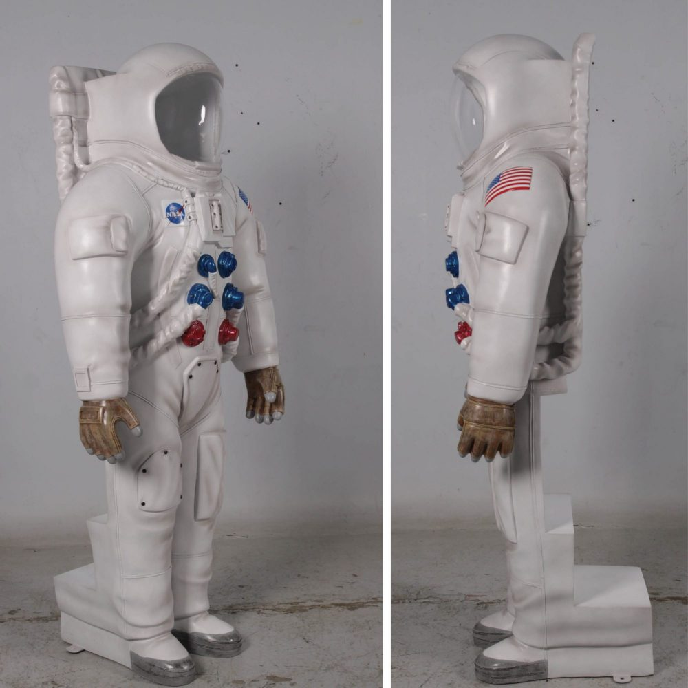 Astronaut Photo Opportunity - with rear enty- various views