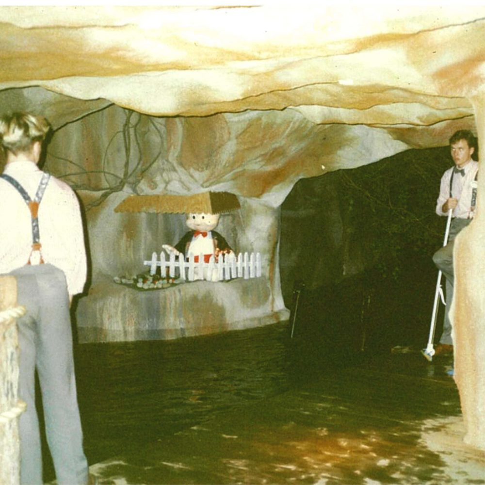 Movie World Looney Tunes Boat Ride Cave showing Exhibit with cleaners scaled