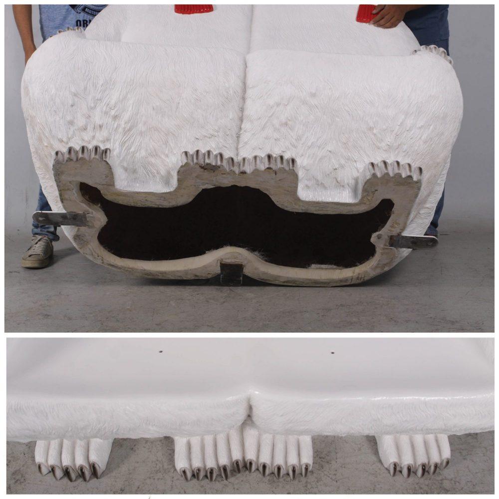 Christmas_Polar Bears Bench with scarf_bottom and feet view