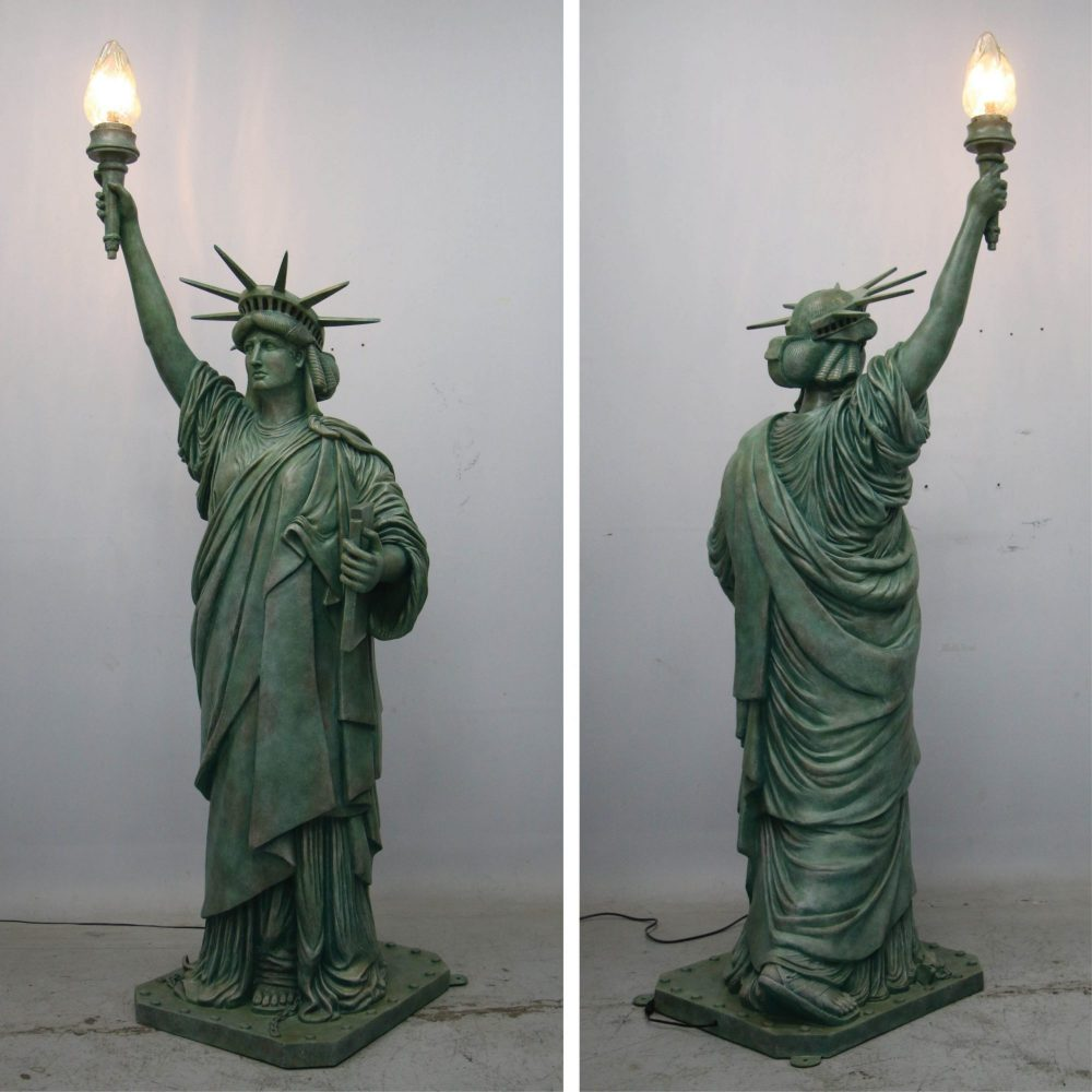 Themed Characters_Statue of Liberty on base